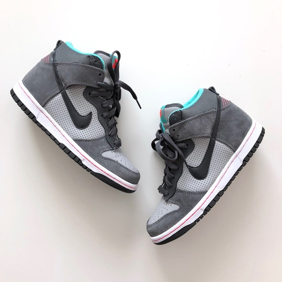 huge discount fff11 35d26 Nike Dunk High (GS) Size 5Y fits WMNS 6.5-7